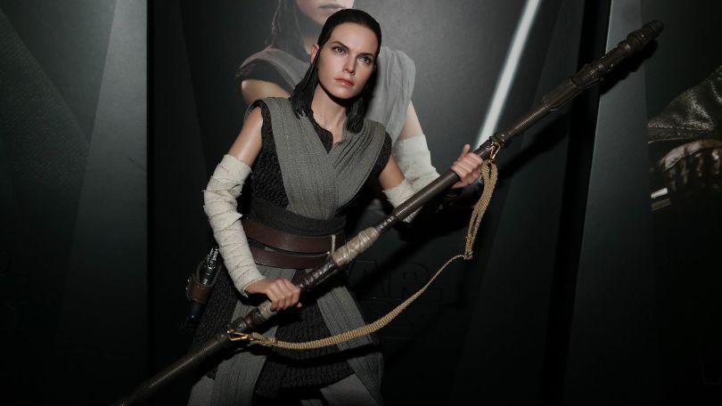 Hot Toys Review | Rey (Jedi Training) – Star Wars: The Last Jedi (MMS446)