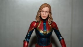 Marvel-Legends-Captain-Marvel-Review-5
