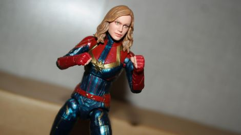 Marvel-Legends-Captain-Marvel-Review-6