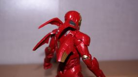 Marvel-Legends-Iron-Man-Review-4
