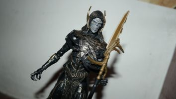 Marvel_Legends_Corvus_Glaive_and_Loki_Review_12