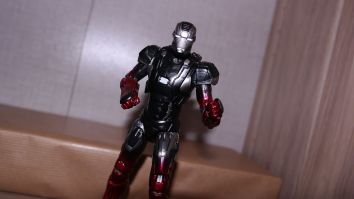 FOTF Review - Marvel Legends Iron Man Mark XXII, Pepper Potts & The Mandarin (Iron Man 3) 18