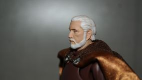 FOTF S.H Figuarts Star Wars Count Dooku Review 14