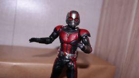 S.H Figuarts Review Ant-Man (Avengers Endgame) 11