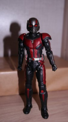 S.H Figuarts Review Ant-Man (Avengers Endgame) 9