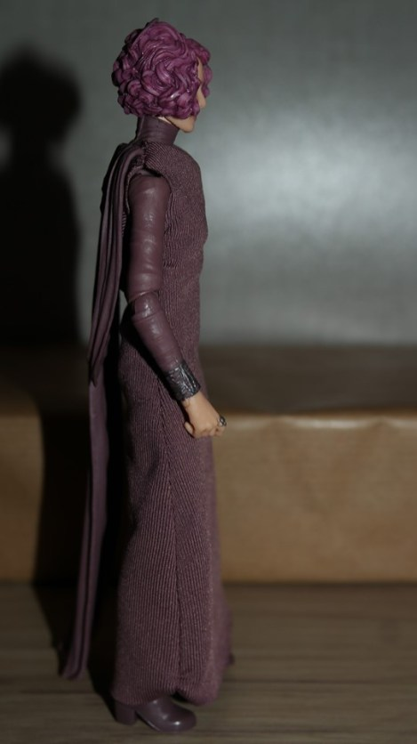 Star Wars The Black Series Vice Admiral Holdo Review 9