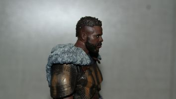 Marvel Legends Review M'Baku (Black Panther) 10