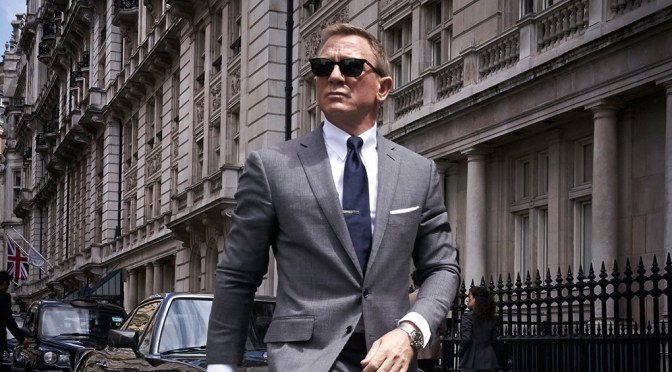 Daniel Craig Brings 007 Back to London in New Video
