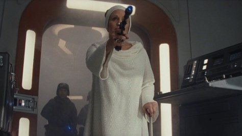 Star Wars | How Should Leia Be Written Out of 'Episode IX'?