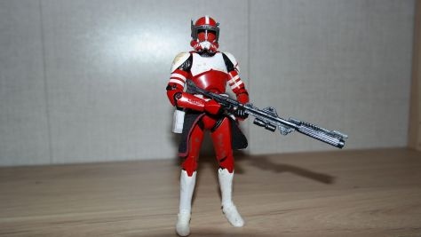 Black-Series-Review-Clone-Commander-Fox-The-Clone-Wars-EXCLUSIVE-12