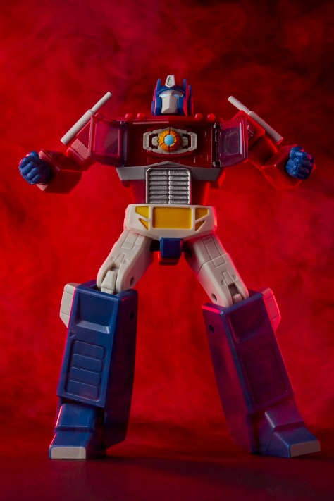 Hasbro Transformers RED Optimus Prime 001