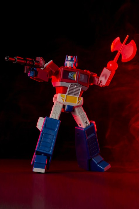 Hasbro Transformers RED Optimus Prime 002