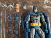Medicom Mafex Batman Hush Review 011