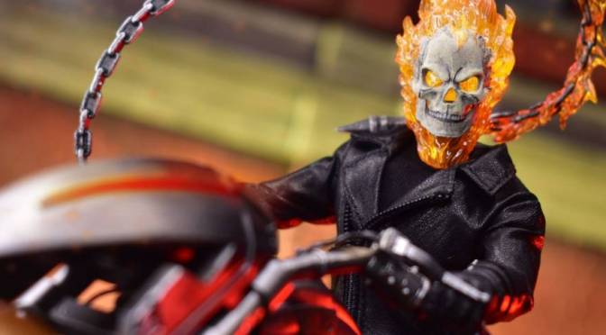 Mezco Toyz | Marvel's Ghost Rider and Hell Cycle Set (One:12 Collective)
