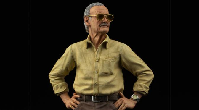 First Look | Stan Lee Statue From Iron Studios
