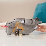 STAR-WARS-MISSION-FLEET-RAZOR-CREST-OUTER-RIM-RUN-Figure-and-Vehicle-2-Pack-lifestyle-2