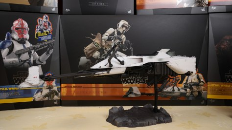 Hot Toys Scout Trooper And Speeder Bike The Mandalorian