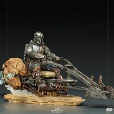 The-Mandalorian-on-Speederbike-IS_01