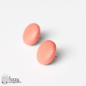Peach's Blush M Fabric Button Earrings