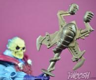 Masters-of-the-Universe-Classics-MOTUC-NA-Intergalactic-Skeletor-Review-staff-close-back