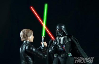 Hasbro-Star-Wars-Black-Series-Darth-Vader-Review-duel-1
