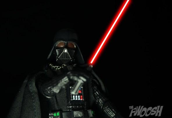 Hasbro-Star-Wars-Black-Series-Darth-Vader-Review-en-garde