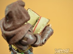 Mattel-Masters-of-the-Universe-Classics-MOTUC-Eldor-Review-book-shoulder