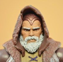 Mattel-Masters-of-the-Universe-Classics-MOTUC-Eldor-Review-close-hood