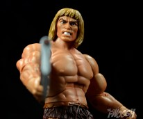Masters-of-the-Universe-Classics-MOTUC-Oo-Larr-Review-axe-low