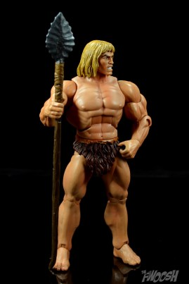 Masters-of-the-Universe-Classics-MOTUC-Oo-Larr-Review-spear-pose