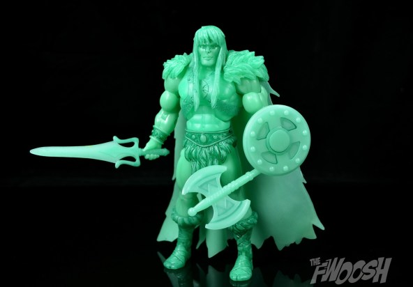 Masters-of-the-Unvierse-Classics-MOTUC-Spirit-of-King-Grayskull-Review-armed