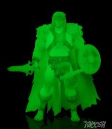 Masters-of-the-Unvierse-Classics-MOTUC-Spirit-of-King-Grayskull-Review-glow