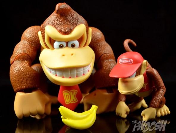 Jakks-World-of-Nintendo-Diddy-Kong-Review-banana-boys