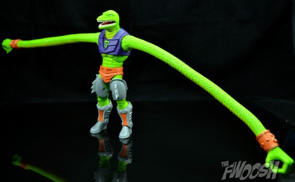 Masters-of-the-Universe-Classics-MOTUC-Sssqueeze-Review-wingspan