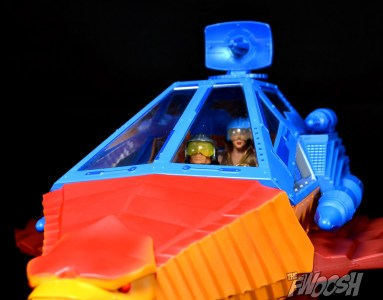 Masters-of-the-Universe-Classics-MOTUC-Talon-Fighter-and-Point-Dread-Review-hatch-down