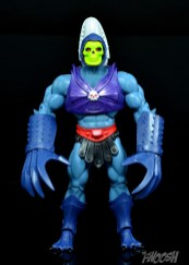 Masters-of-the-Universe-Classics-MOTUC-Terror-Claws-Thunder-Punch-Review-skeletor