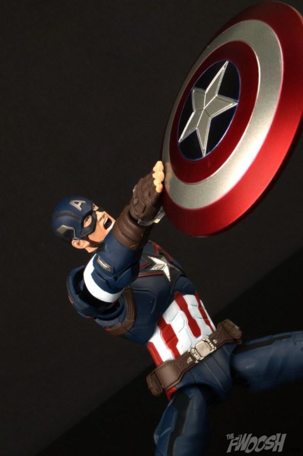 Bandai S.H. Figuarts Avengers Age of Ultron Captain America 1