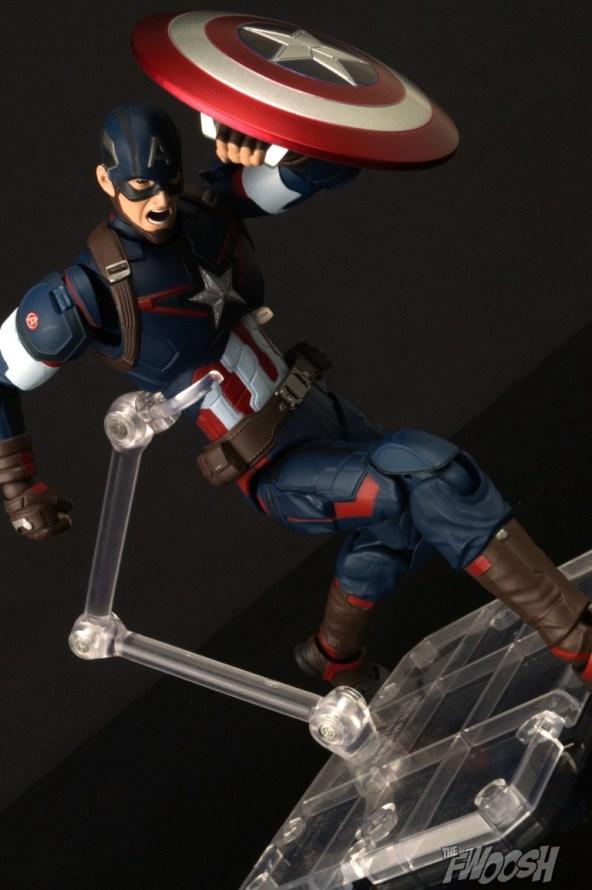 Bandai S.H. Figuarts Avengers Age of Ultron Captain America 9