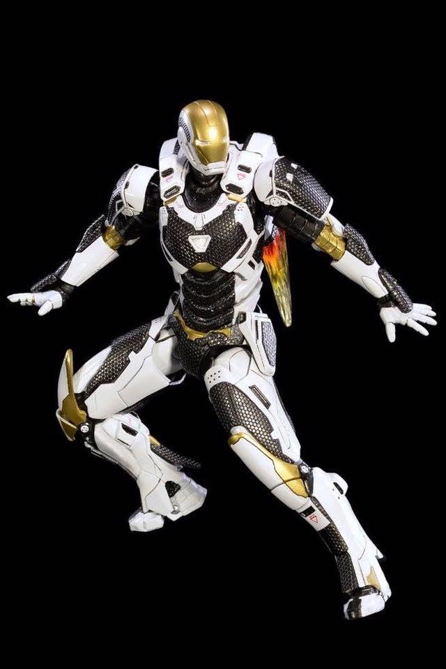 Comicave Studios Diecast Iron Man Mark 39 1