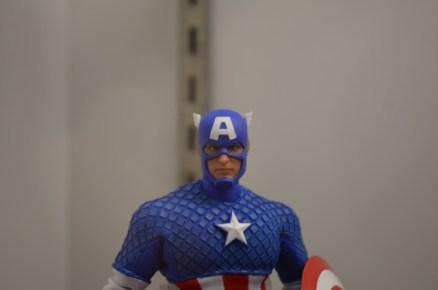 Mezco One12 Marvel Captain America 2