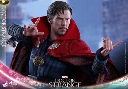 hot-toys-marvel-dr-strange-03