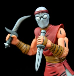 neca-nycc-eastman-and-laird-tmnt-foot-clan-dagger