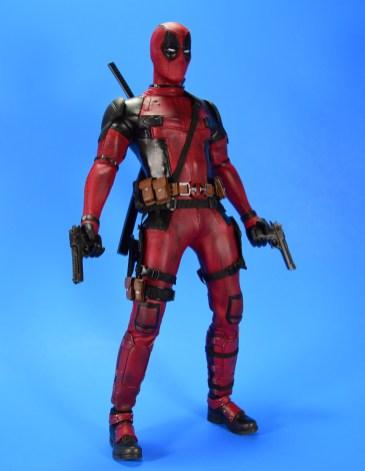 hot-toys-movie-masterpiece-deadpool-mms-437-ryan-reynolds-11