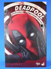 hot-toys-movie-masterpiece-deadpool-mms-437-ryan-reynolds-package-01