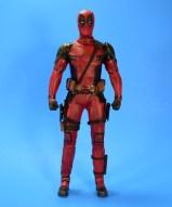 hot-toys-movie-masterpiece-deadpool-mms-437-ryan-reynolds-yearbook-01