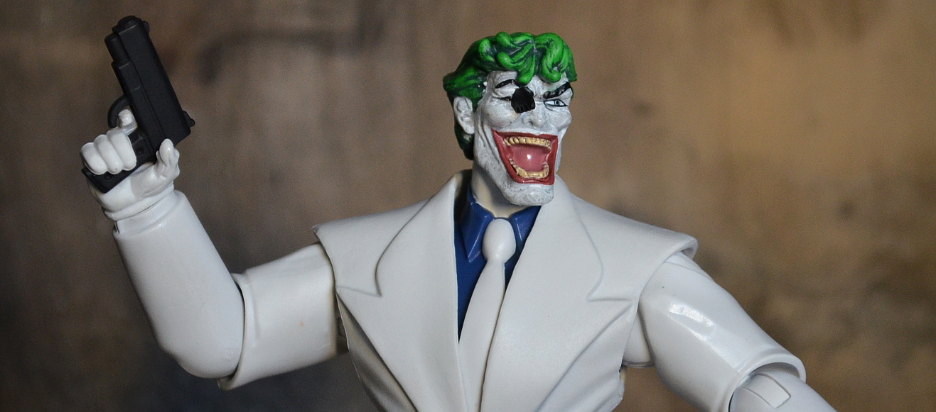 Mattel: DC Multiverse Joker | The Fwoosh