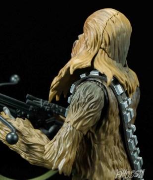 SH-Figuarts-Bandai-Star-Wars-Chewbacca-Review-neck-articulation