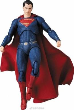 Medicom MAFEX Justice League Superman Promo 07