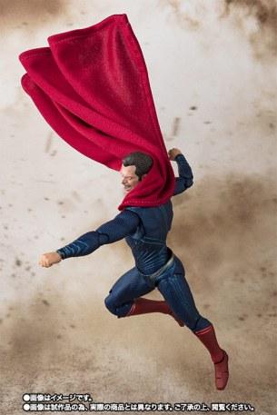 Bandai SH Figuarts Justice League Superman Promo 08