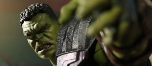 Mezco: One:12 Collective Thor: Ragnarok Hulk Promotional Images and Pre-order Info